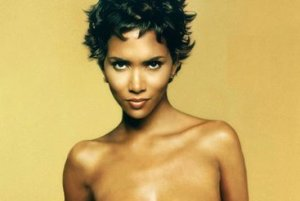 halle-berry-topless-halle-berry-1