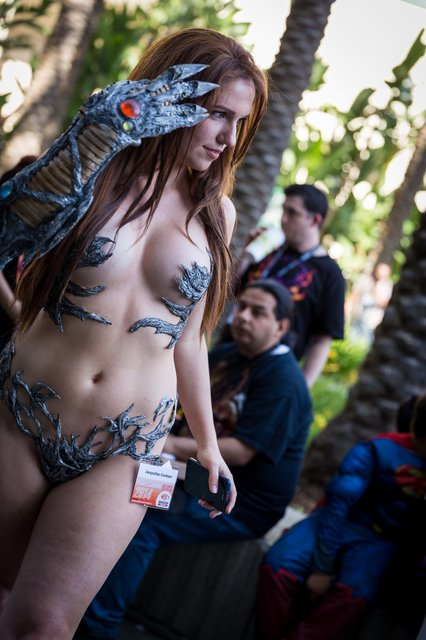 witchblade63-60255-wondercon2k4_065-1398081957